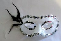 37602765 MASK BLACK NET BLACK WHITE FEATHER EACH R32