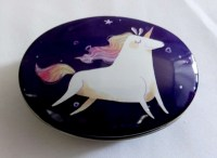 57301419 IRON TIN UNICORN WITH LID OVAL 9X6X3CM E R24