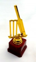 61912311 TROPHY CRICKET (STUMPS) H20CM E R50